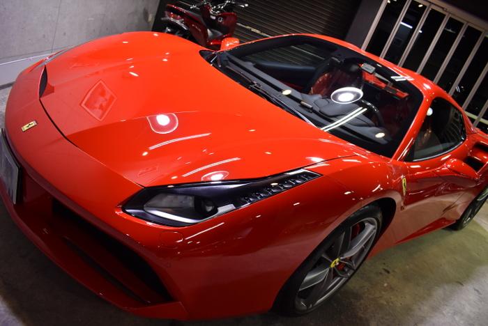 フェラーリ・488スパイダー