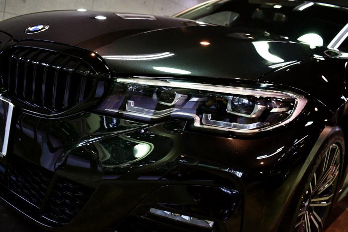 BMW320-4.jpg