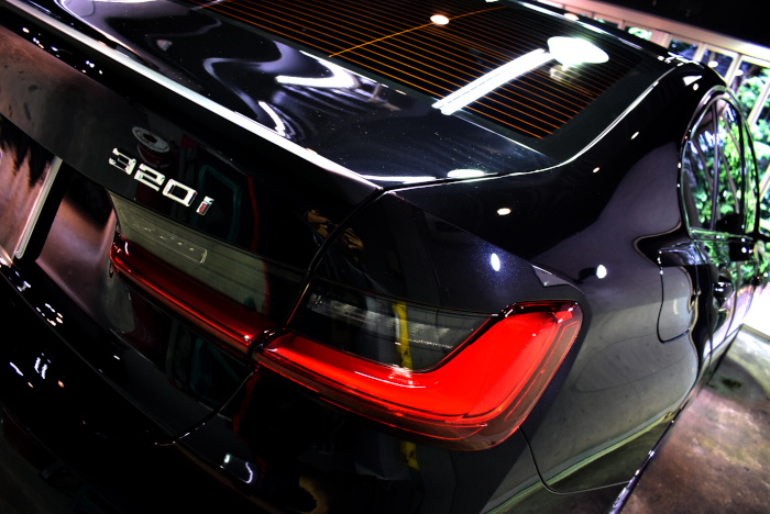 BMW320-7.jpg