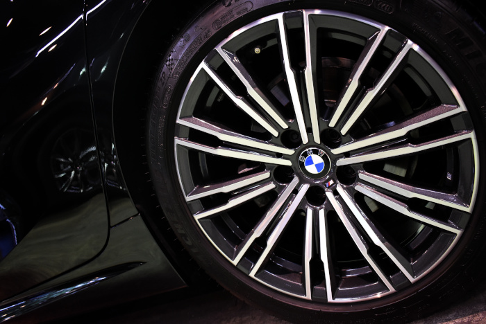 BMW320-9.jpg